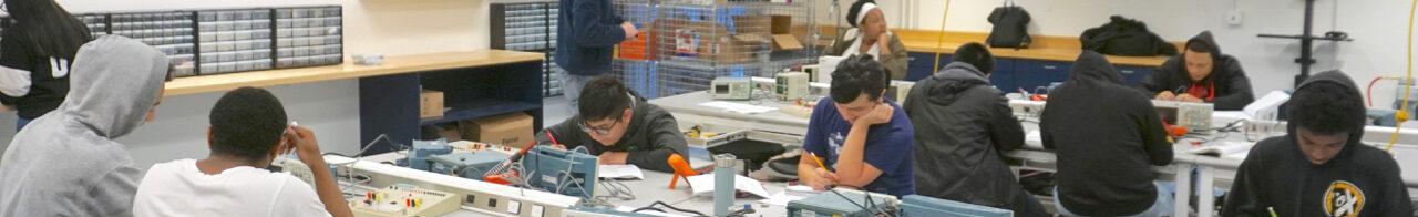 Photo of students in Berkeley High's new Mechatronics Tech lab classroom