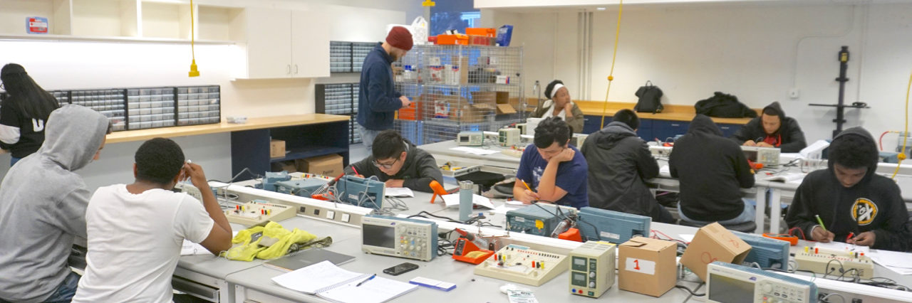 Photo of students in Berkeley High's new Mechatronics Tech lab classroom