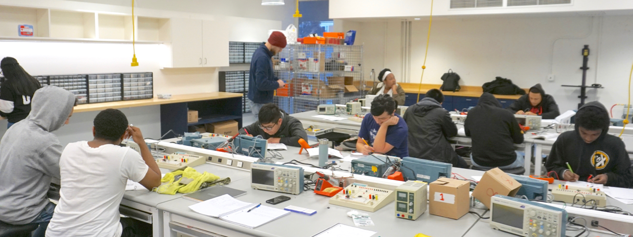 New BHS Mechatronics Engineering Lab Classroom Now Buzzing